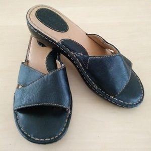 b.o.c. Well Cushioned Comfy Black Slide Sandal